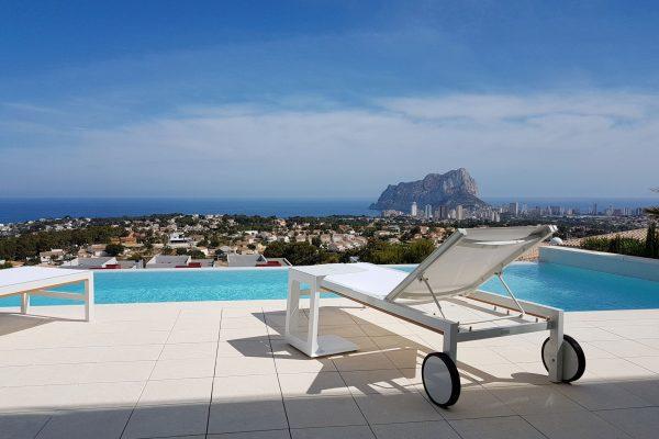 piscina de horizonte infinito calpe