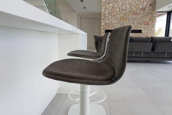 taburete tapizado lottus de Enea design