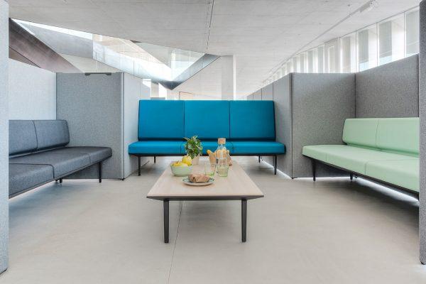 sillones para sala de espera oficinas de Actiu en Benicarló