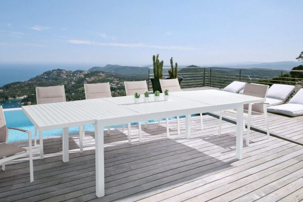 mesa y sillas para jardín