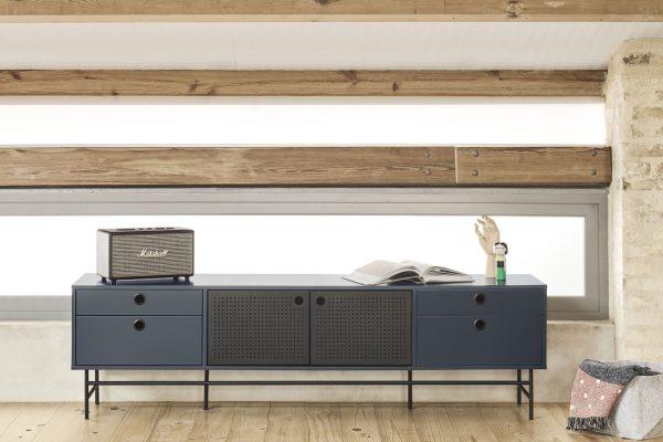 mueble salón en madera y metal estilo moderno de Teulat