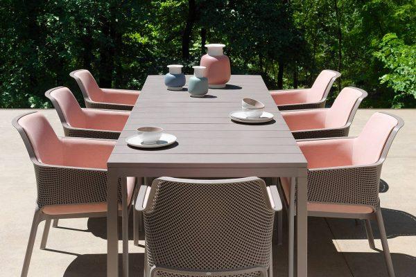 mesa y sillas de exterior para jardín de Nardi