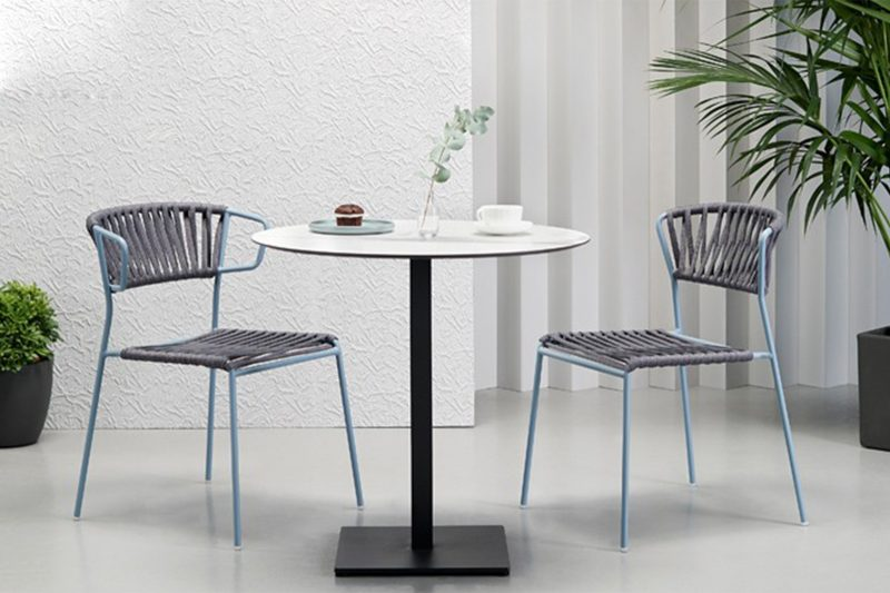 mesa y sillas para cafetería de Scab
