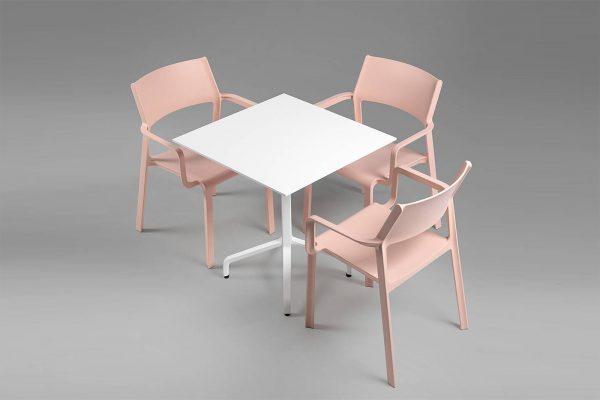 mesa y sillas para terraza de Nardi