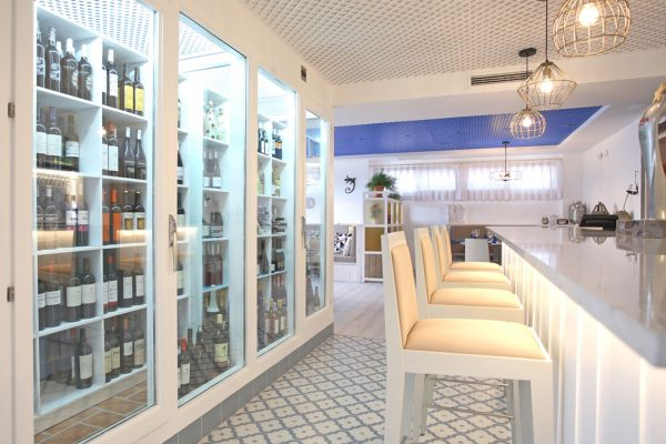 vitrina de vinos